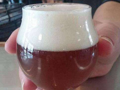 3 reasons to get a drink at 2 Feet Brewing